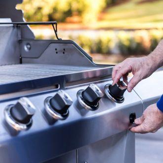 Grill gazowy 4 palnikowy ze stali nierdzewnej CHAR-BROIL® plus gartisy